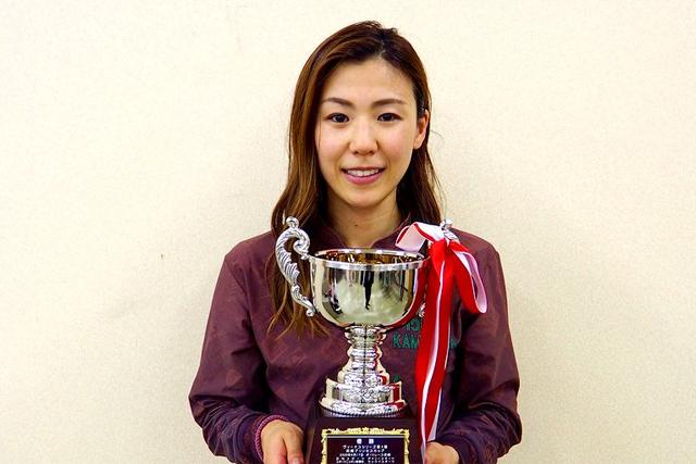 鎌倉涼 かまくらりょう 成績 美人 かわいい 人気 ボートレーサー 競艇選手 500勝 産休後初優勝