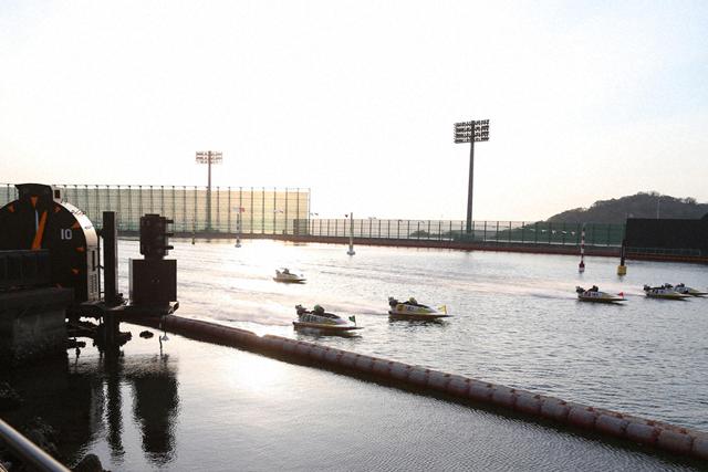 競艇 ボートレース 新型コロナウイルス コロナ 緊急事態宣言 解除 大村 観客入れ 通常開催 公営競技初