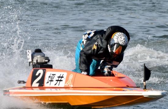 坪井康晴 つぼい やすはる 競艇 競艇選手 ボートレース ボートレーサー 特長 スタートタイミング 成績 優勝 ツイッター インスタ ユーチューブ プライベート