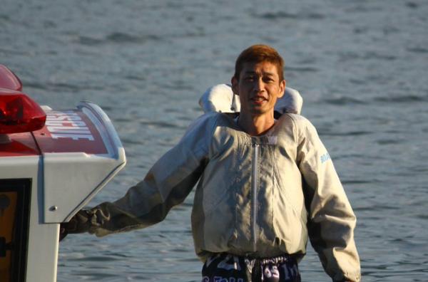 山本寛久 やまもとひろひさ 競艇 競艇選手 ボートレース ボートレーサー 勝つ 知識 選手紹介 稼ぐ 予想サイト 優良 評価 口コミ 検証 勝てる データ 万舟