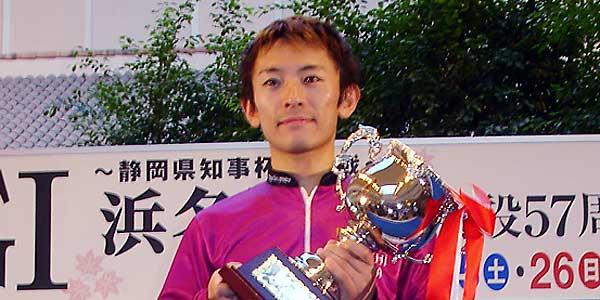 飯山泰 いいやまやすし 競艇 競艇選手 ボートレース ボートレーサー 特長 スタートタイミング 成績 優勝 ツイッター インスタ ユーチューブ プライベート